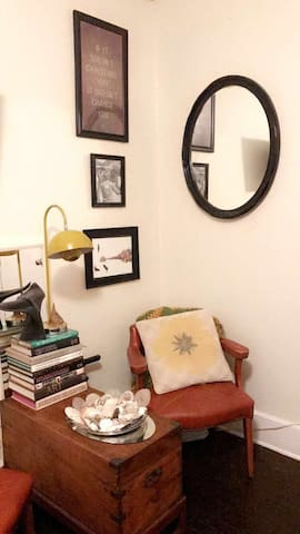 Cozy studio in the heart of downtown st pete apartments for 417 salon downtown