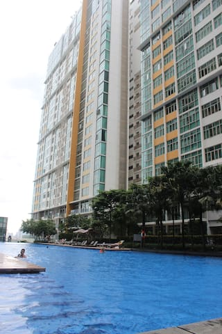 Free Pick up-Super Discount 3 bedroom Apartment