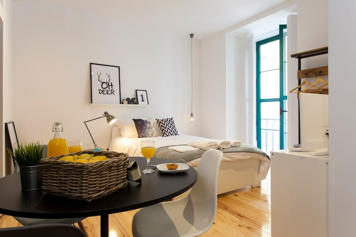 Modern New Studio in City Center, Chiado- Grey