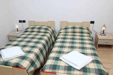 Room for 4 people Val di Non - Brez