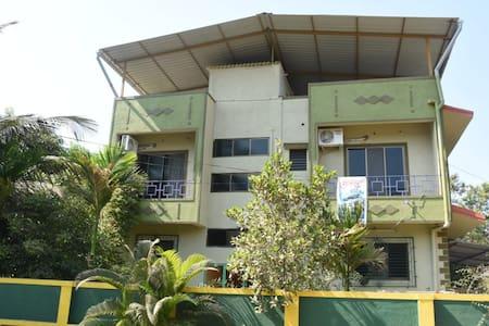 102 - Mountain view apartment-GC