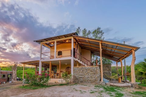 Casa Madera Bungalow - Close to all the best waves