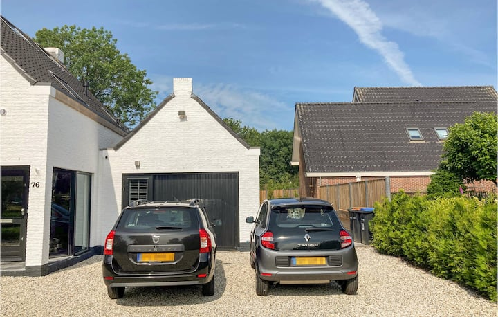 Awesome home in Bunschoten-Spakenb. with WiFi and 1 Bedrooms