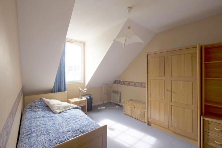 Cozy bedroom, garden, quiet 45 minutes from paris