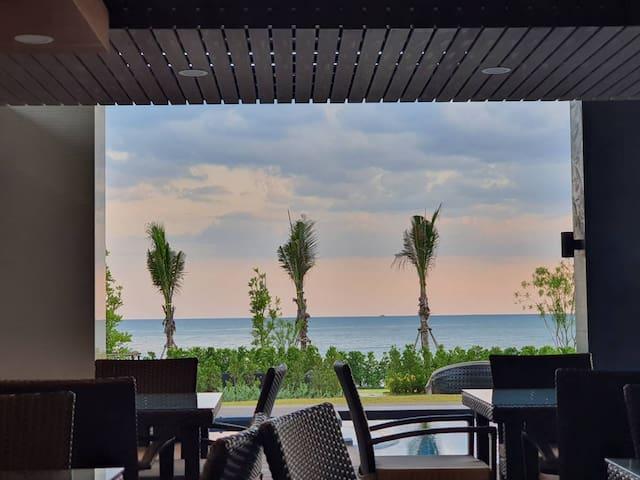 2 Bedrooms Beachfront Condo Mae Phim Beach E243