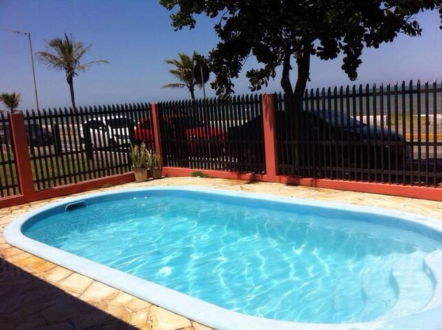 Casa frente mar com piscina em Barra Velha/SC