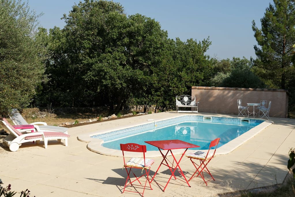 Appartement au calme avec piscine flats for rent in for Piscine st maximin