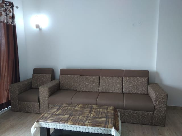 1 room w 2 beds shared hall & Kitchen in New Condo