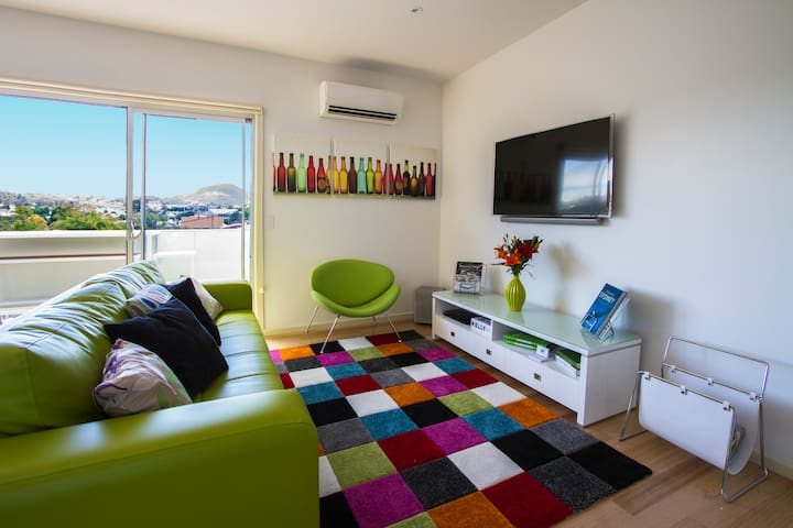 Luxury and Convenience on the Quay - Bellerive - Apartment
