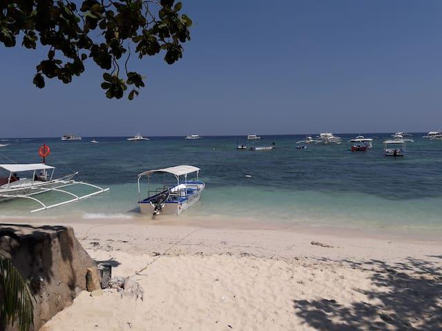 Alona beach. Enjoy the waves