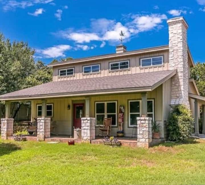 The Hill Country Cottage