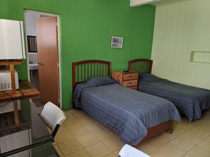 Habitación con 2 camas en zona centro de la ciudad