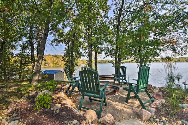 Waterfront Pequot Lakes Cabin w/Dock & Sandy Beach