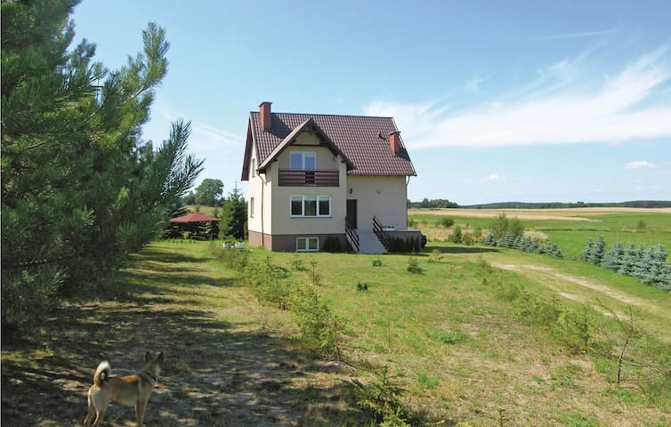 Holiday cottage with 4 bedrooms on 220m² in Konarzyny