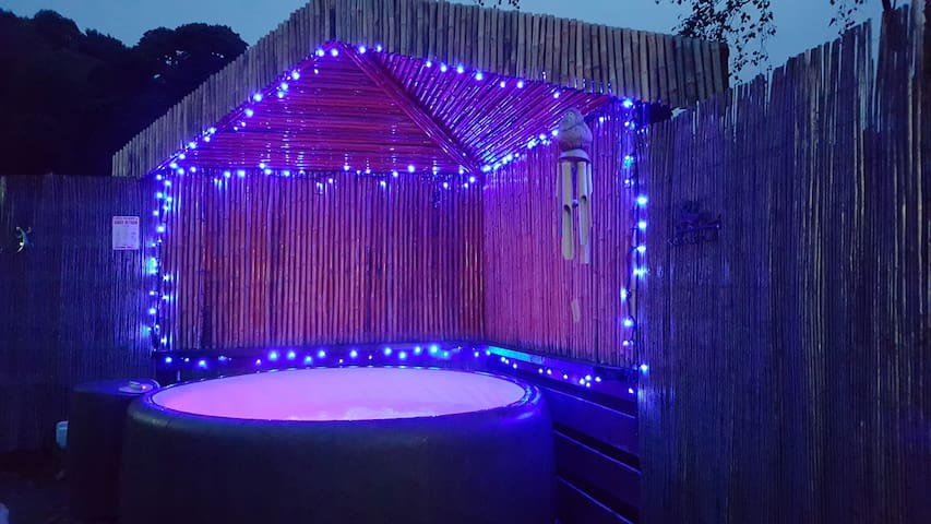 Wee Glebe Luxury Converted Stable With HotTub