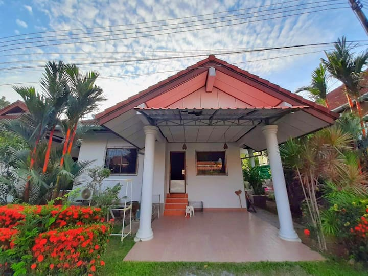 Palai Beach Private House with Garden