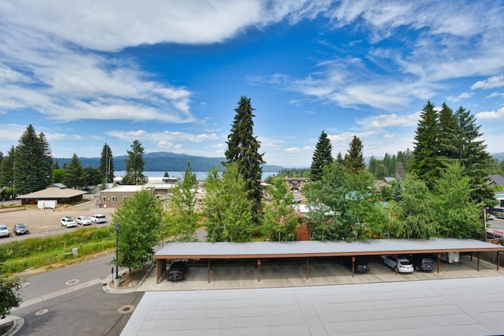 Payette Lake Penthouse - Downtown McCall - Amazing views of Payette Lake - Air Conditioning