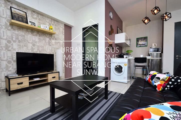 Urban Spacious  Modern Home@Subang (2 - 5pax)