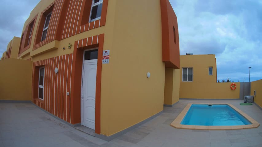 Mariposas Home Pool 2