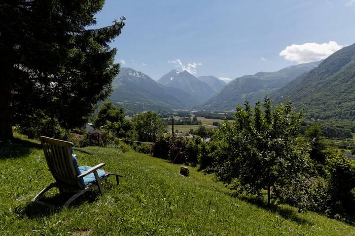 Gite 90m2 avec jardin et belle vue 6/7p