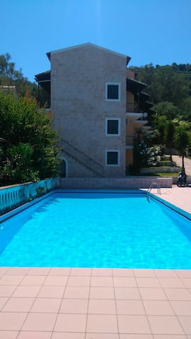 Studio with pool near to village, beach and town.