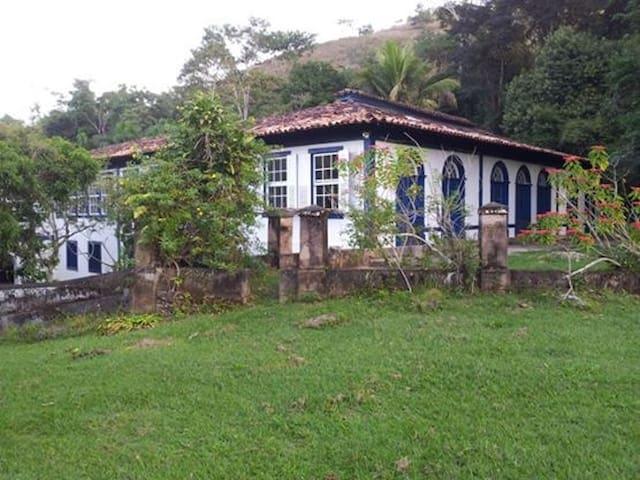 FAZENDA HISTÓRICA EM SAPUCAIA-RJ