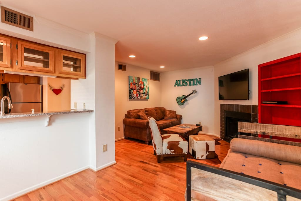 Downtown Western Suite With Parking Apartments For Rent