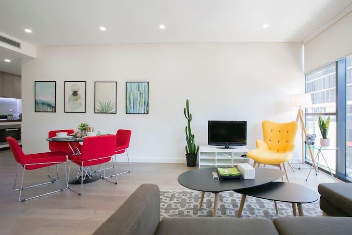Lovely 2 Bedroom Apartment in Waterloo