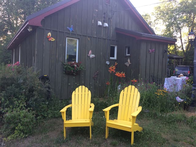 The Night Owl Guest Cottage