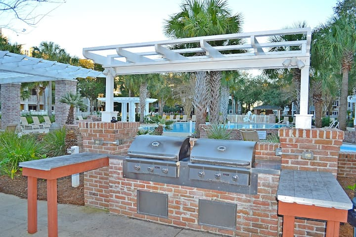 Gather everyone around and grill dinner poolside!