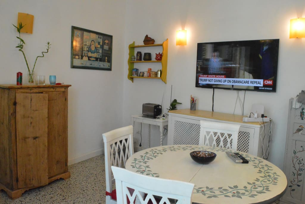 The kitchen/lounge and TV