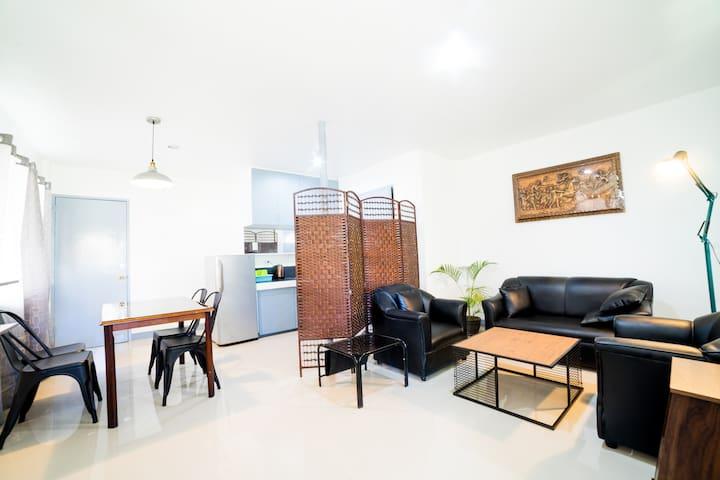 Clean, Cozy & Quiet 2BR Loft Apartment (5 pax) #3A
