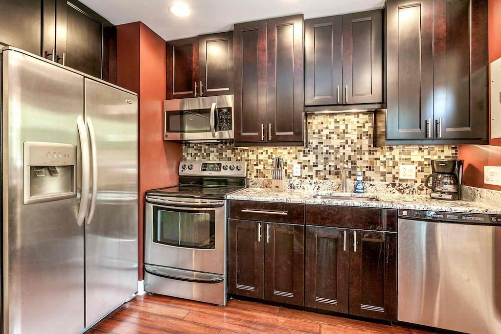 Fully equipped upgraded kitchen.
