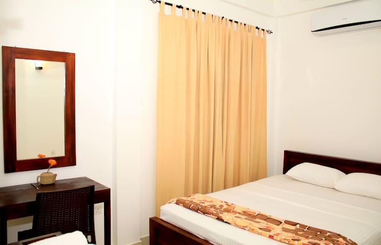 Seasons Villa-Sigiriya(Standard Double Room) - Dambulla - Bed & Breakfast