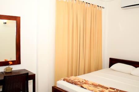 Seasons Villa-Sigiriya(Standard Double Room) - Dambulla
