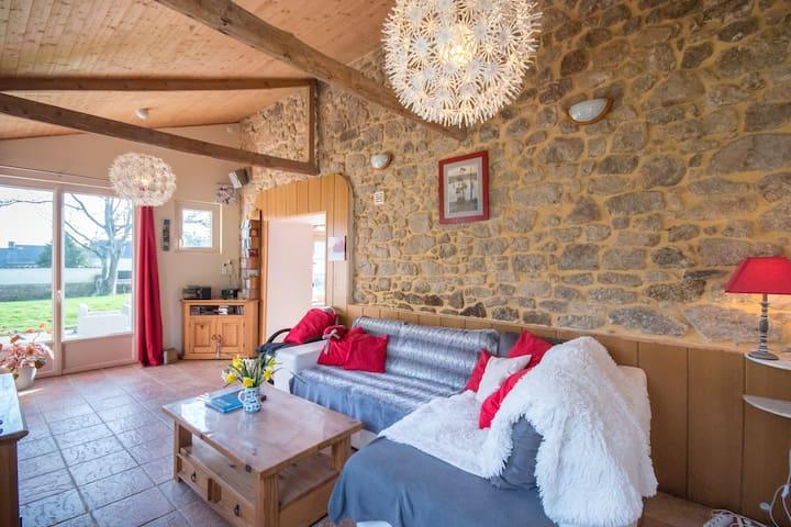 Maison rénové (en pierre) dans un hameau calme - Plœuc-sur-Lié