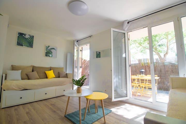 Studio cosy avec terrasse près de Disney et Paris