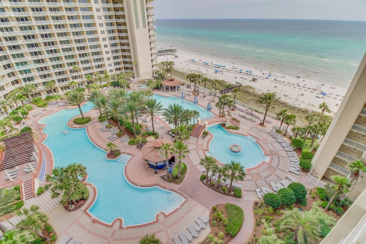 Gulf-side condo w/ private balcony & amazing views, shared pool/hot tub!