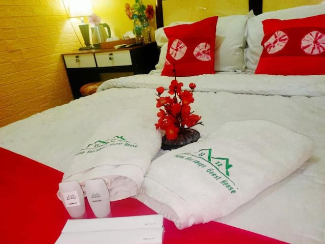 Beautiful Deluxe Room with Ac and Wifi well located in Bogor