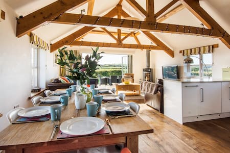 The Hayloft Five Star 3 bed Country Barn, Nr Bude - Bude