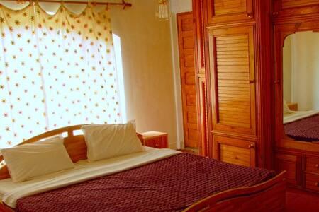 HillscapeInn-PremiumRoomDalLakeView - Srinagar - Villa