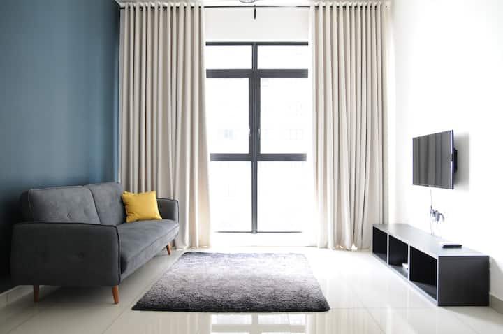 Comfy Home @ Putrajaya Near IOI CityMall w Netflix