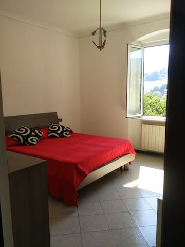double room with wifi bathroom and kitchen - Genua - Lägenhet