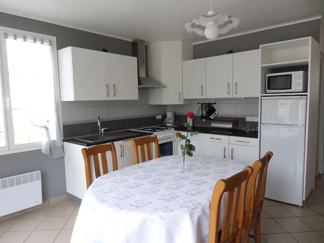 Maison très calme dans propriété proche Royan - Meschers-sur-Gironde - House