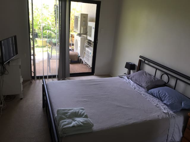 Clean modern and comfortable close to CBD
