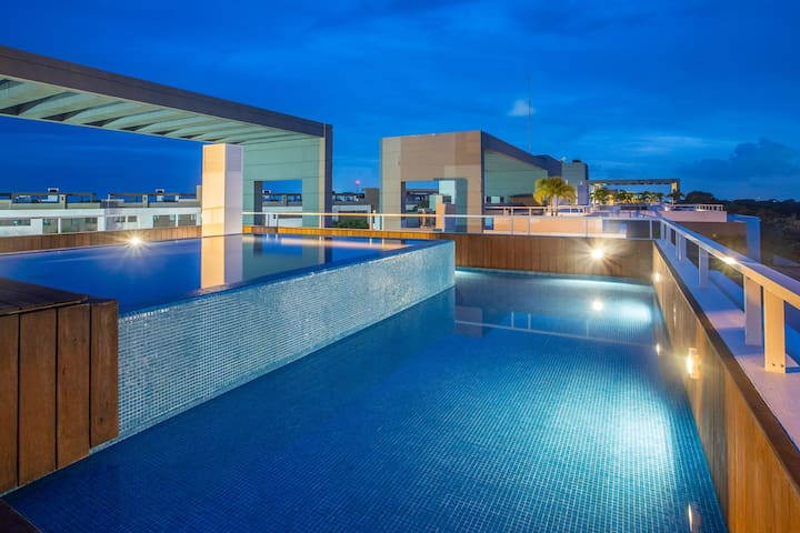 Luxurious Condo very close to the Sea with Golf Co