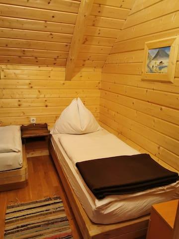 Schlafzimmer 2, 2 Einzelbetten