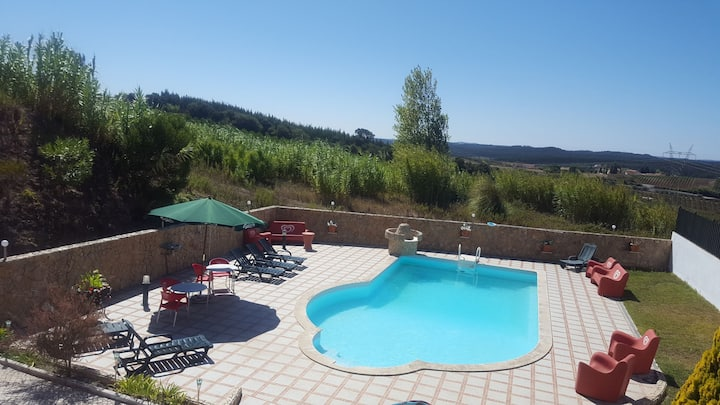 Country House 4 bedrooms with Swimmpool 45m Lisbon