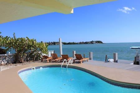 Ocean View Marathon Ocean Front Pool Home - マラトン - 一軒家