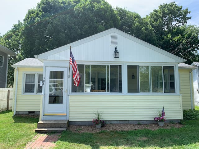 Old Lyme Beach Cottage